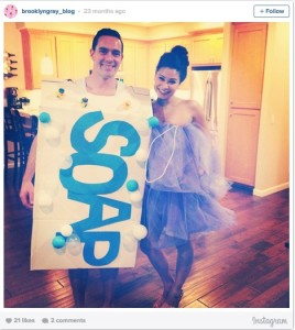 Good clean fun!  Halloween couples costume via @brooklyngray_blog